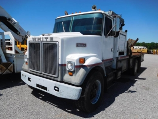 1978 WHITE ROAD BOSS II T/A KNUCKLE-BOOM TRUCK