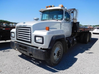 1994 MACK RD690S T/A ROLL-BACK TRUCK