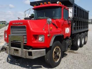 1999 MACK DM690S TRI-AXLE DUMP TRUCK
