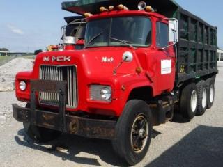 1986 MACK DM685S TRI-AXLE DUMP TRUCK