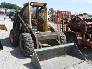 NEW HOLLAND L785 SKID STEER