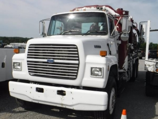 (OUT OF AUCTION) 1995 FORD L8000 T/A PUMPER TRUCK
