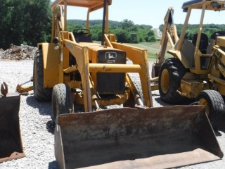 JOHN DEERE 410D LOADER BACKHOE