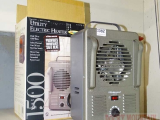 Lakewood 1500 Watt Electric Heater w/ Box.