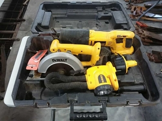 Dewalt tool kit - sawzall, saw, flash light
