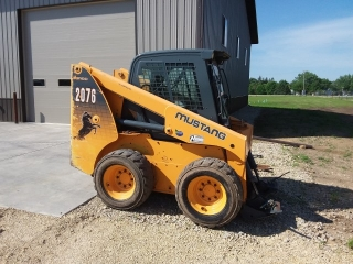 Mustang 2076 Turbo skid steer