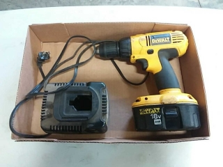 Dewalt 18v cordless drill with charger