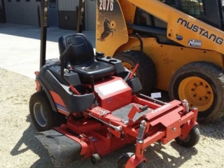 2011 Simplicity zero turn mower