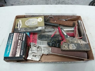 Assortment of staplers and hand tools, e