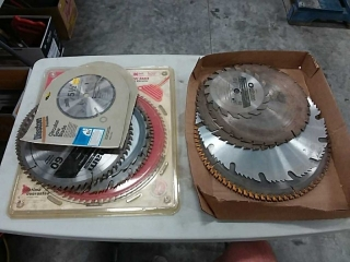 assortment of saw blades