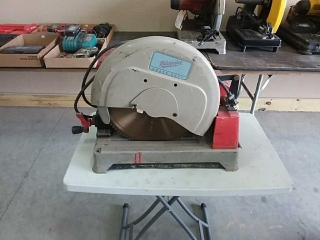 "Milwaukee Heavy Duty 14"" Dry Cut Machine"