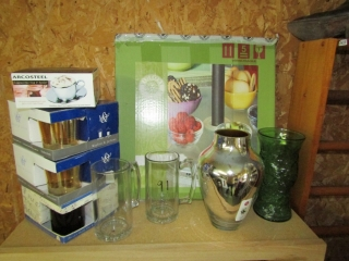 """Glassware : vases and 18"""" lazy susan"""
