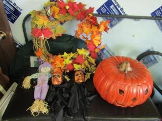 Halloween lg. ceramic pumpkin with few chips