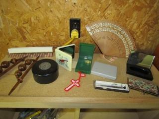 Lot: Oriental fan with inlay, dresser box,