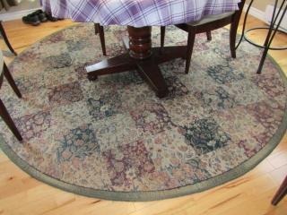 """Circular area rug 95"""" D"""