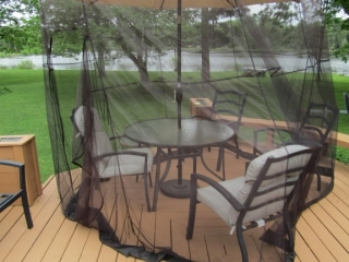Patio set with solar light umbrella, 6 chairs