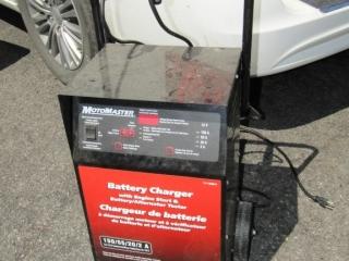Motor Master Battery charger 12 volt, 150 amps