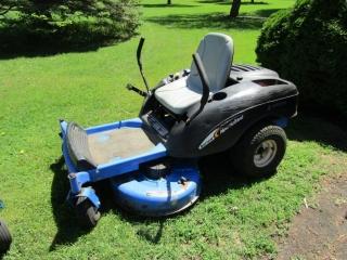 "MZ 16 H: New Holland zero turn lawn mower 38"" cut"