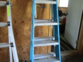 Aluminium step ladder -  feather lite ( blue)