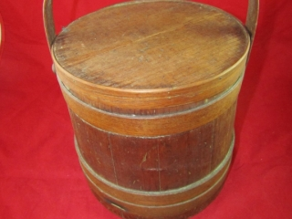 """Wooden bucket with cover 9.5D x 10"""" H"""