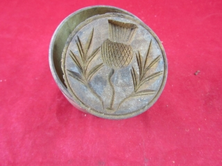 Butter press: thistle