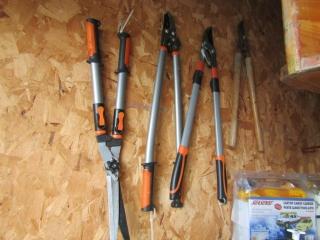 Garden shears and brush cutters.