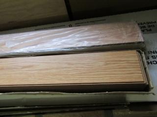 2 boxes laminent flooring