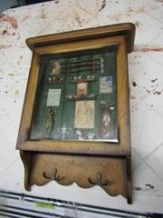 Shadow box, key holder