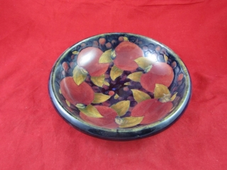 Moorcroft bowl, stamped and signed William
