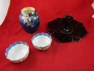 Carelton ware vase, 2 rice bowls,