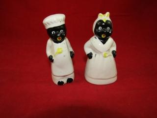 Black Memoriblia Salt and Pepper - Japan