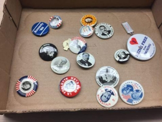 Assorted reproduction political buttons