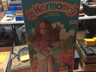 Harmony music makin doll