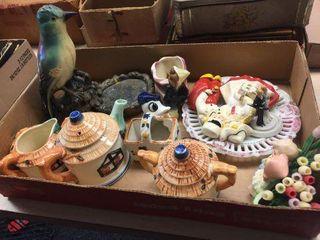 Teapot, creamer, sugar & assorted decorators