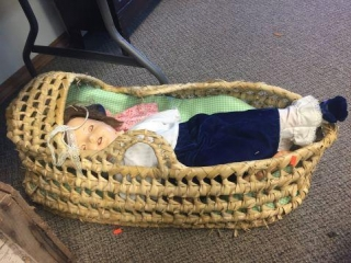 Dolls & bassinet basket