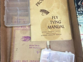 Fly tying manual & instruction book
