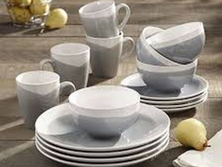 OASIS DINNERWARE SET