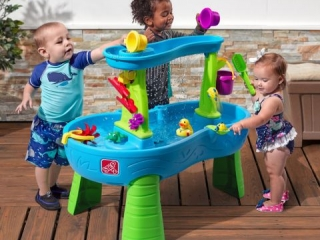 STEP 2 RAIN SHOWERS SPLASH POND WATER TABLE FOR