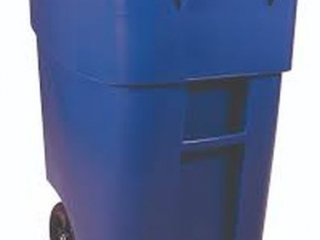 RUBBERMAID - ROLLING GARBAGE BIN