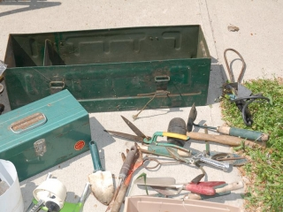 OFF SITE -  Metal Toolboxes & Tools (ALL Contents Included) UNRESERVED