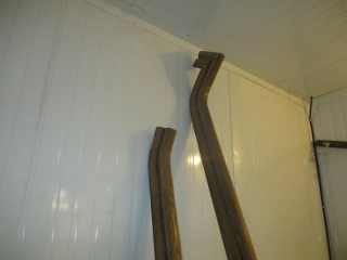(2) Pieces of Approx. 15' Oak Hand Railing  UNRESERVED