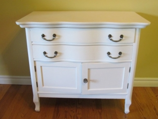 Serpentine Front  White Washstand