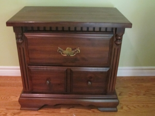 Kroehler Pine 2 Drawer End Table Or Bedside