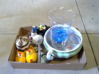 Lot Of Knickknacks Washbasin  Hansley