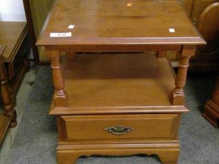 Maple Spindle 2 Tiered End Table W/ Drawer