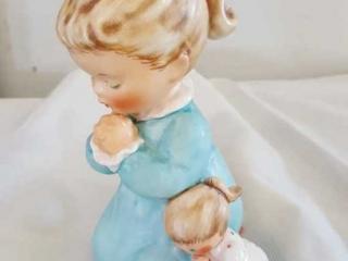 Goebel  Evening Prayer Figurine  4