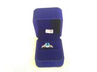 Woman?s Size 7 Ring Marked 925 Silver (blue)