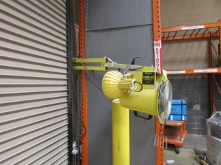 APS Resources dock light with fan