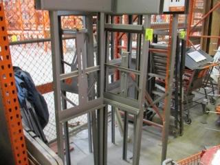 Quantity sign racks and merchandiser racks