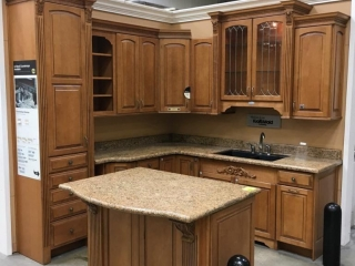 Kraft Maid Harmony Piermont Cath. kitchen cabinets, ginger glaze on maple with granite countertop